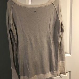 Gray and white lululemon shirt